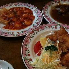 エビチリと餃子と酢豚なう #manymize #dinner