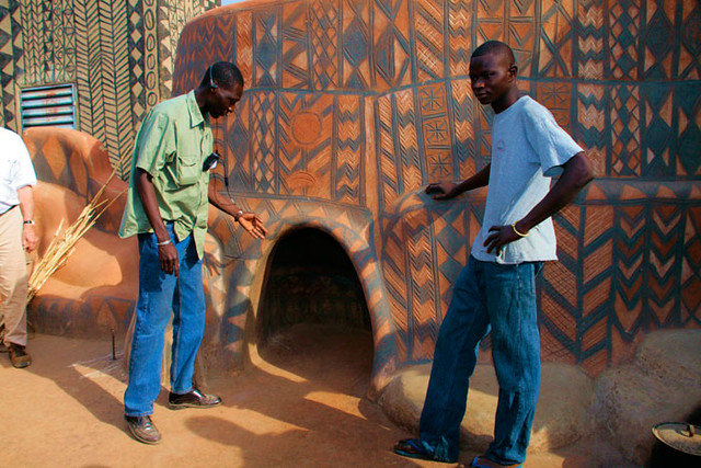 2009-01-18 Burkina Faso,Tiebele Village, this is the chief's house and his small door for protection