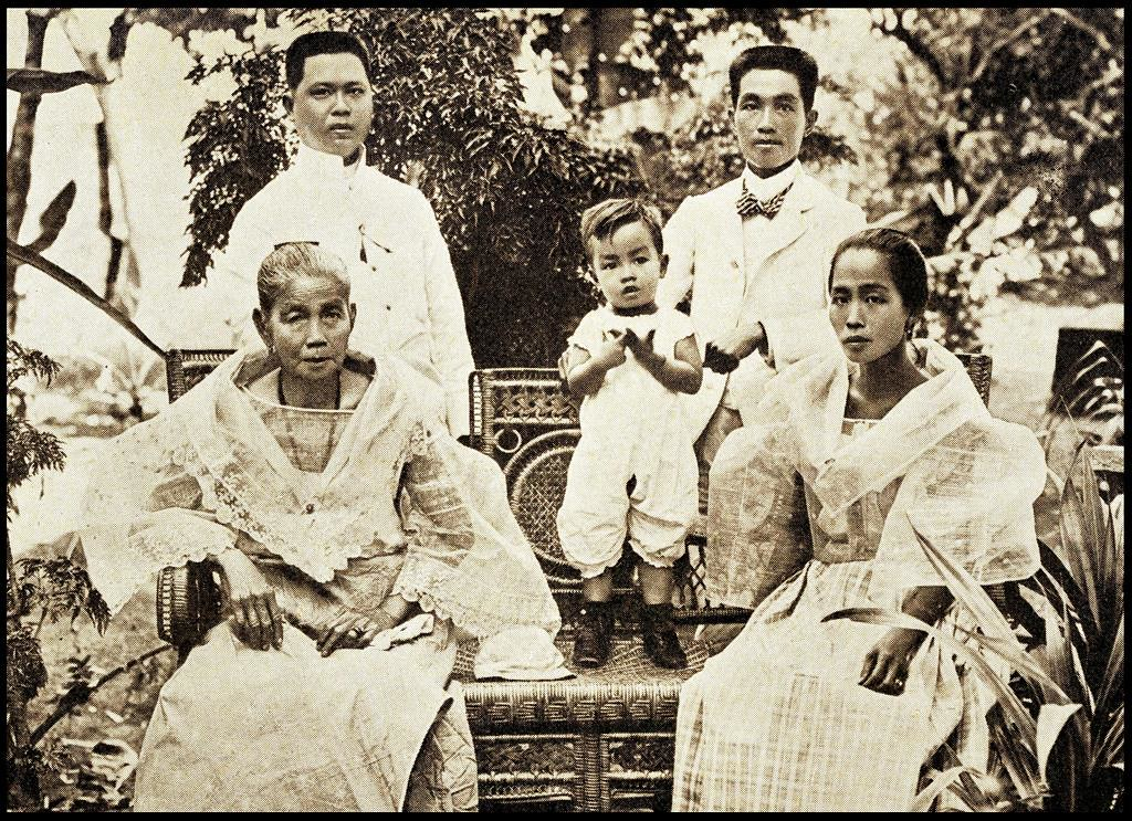 EMILIO AGUINALDO and CLOSE FAMILY in the PHILIPPINES | Flickr