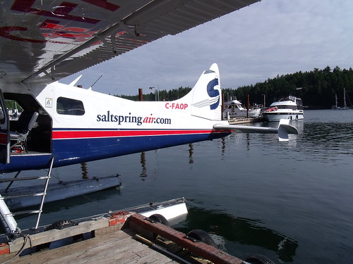 Flight to Ganges and Patricia Bay with Salt Spring Air