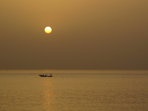 orange sunrise dawn boat fishing forbes senegal dakar johnston ambabheg