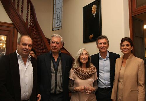 11.04.17 Macri da la bienvenida al Premio Nobel de Literatura Mario Vargas Llosa