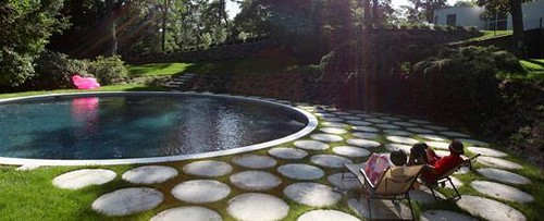 circle-pool-Modern-Landscape-Trends-Design-Ideas-2011