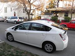 automobile(1.0), wheel(1.0), vehicle(1.0), toyota prius(1.0), land vehicle(1.0), hatchback(1.0),