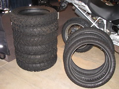 tire, automotive tire, natural rubber, wheel, synthetic rubber, tread, rim, alloy wheel, spoke,