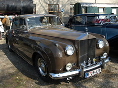 rolls-royce phantom vi(0.0), bentley s1(0.0), compact car(0.0), convertible(0.0), automobile(1.0), rolls-royce phantom v(1.0), bentley s2(1.0), vehicle(1.0), rolls-royce silver dawn(1.0), rolls-royce silver cloud(1.0), antique car(1.0), sedan(1.0), vintage car(1.0), land vehicle(1.0), luxury vehicle(1.0),