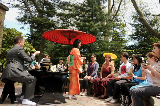 Soukyo Shimizu led a Sohenryu-style tea ceremony at the A.T. Whute Amphitheater on Sunday. Photo by Mike Ratliff.