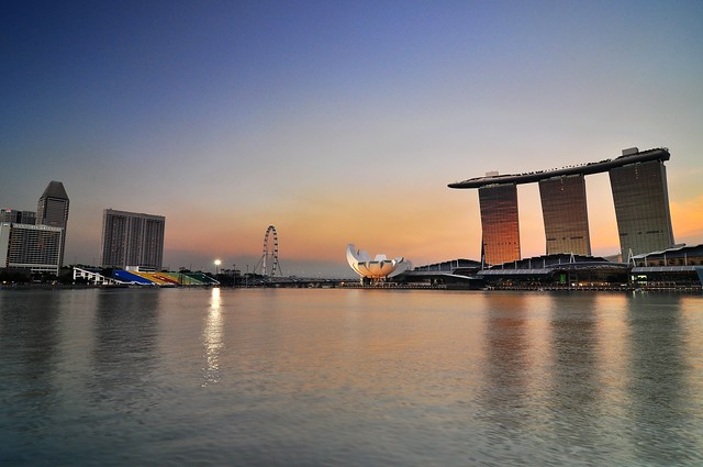 Color of Marina Bay