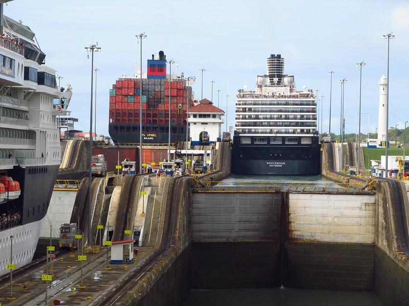 Panama Canal: Gatun Locks