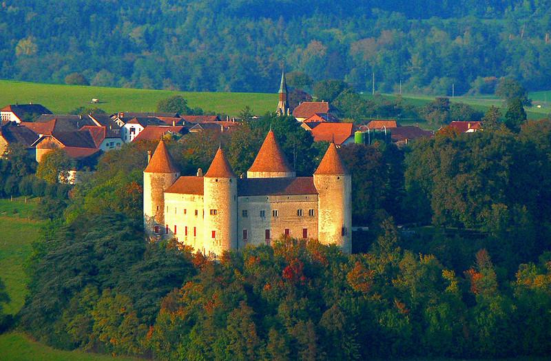 Champvent Castle, Champvent, Switzerland - SpottingHistory.com