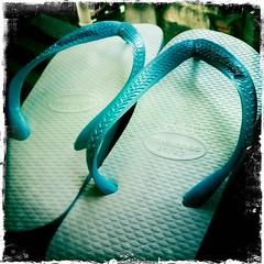 turquoise(0.0), shoe(0.0), electric blue(0.0), footwear(1.0), aqua(1.0), turquoise(1.0), sandal(1.0), teal(1.0), azure(1.0), green(1.0), flip-flops(1.0), blue(1.0),