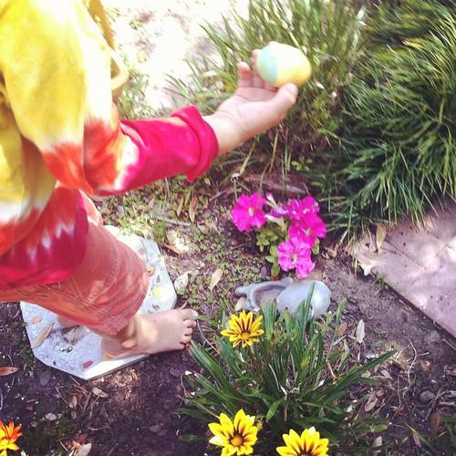 99/366 :: easter egg hunt