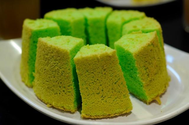 Chinta Manis' Pandan Chiffon Cake