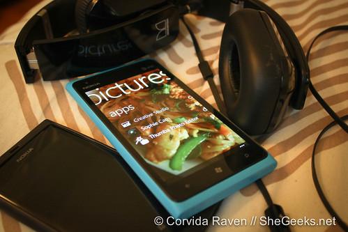 Nokia Lumia 900 Pictures App