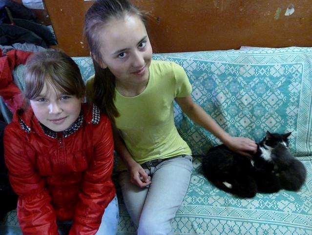 Кавалергард Минск  Саша, Аня и Кошка с котятами