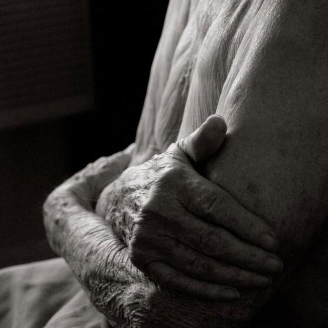 Photography-of-a-centenarian-1-640x640