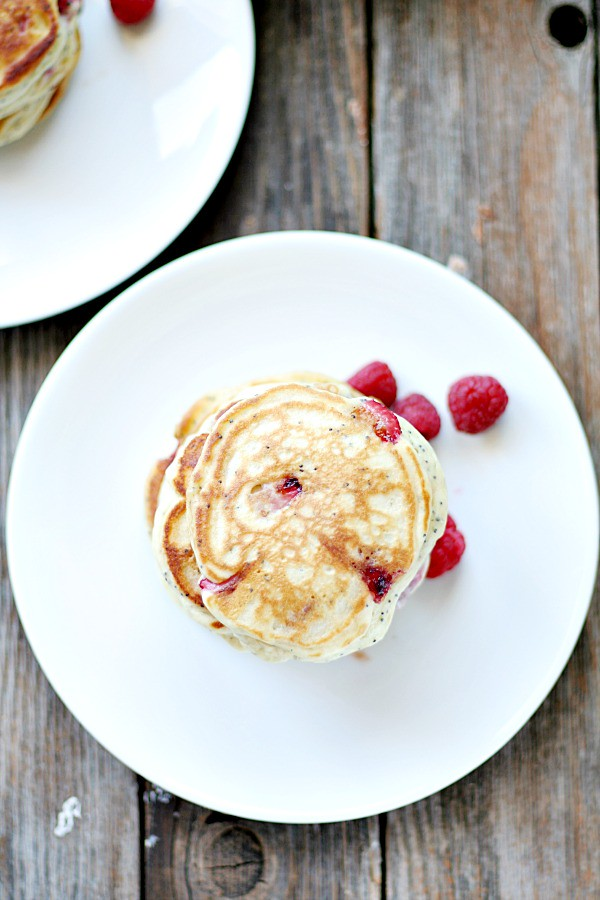 strawberry mascarpone poppy seed pancakes