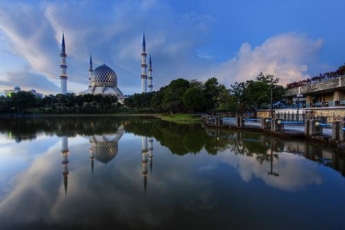 reflection day mosque malaysia kualalumpur hdr masjid selangor shahalam 9xp masjidshahalam vedd canoneos60d pwpartlycloudy