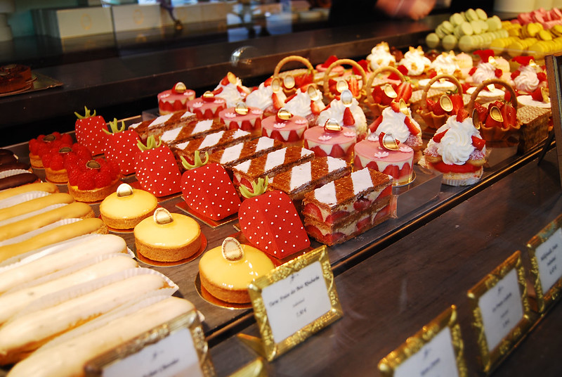 Laduree, Paris - patisserie