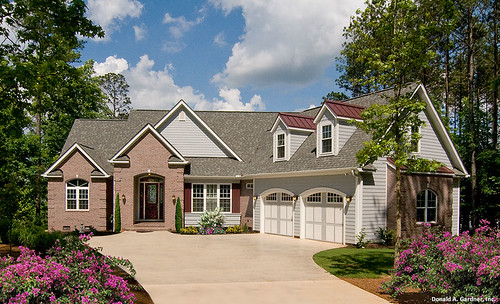 plan of the week: angled garages - houseplansblog.dongardner
