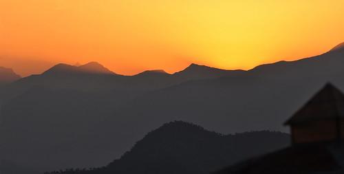 india snow silhouette sunrise view peaks himalaya trishul nandadevi uttarakhand panchchuli chaukori kumayun nilkantha choukari panoramicviewofhimalaya
