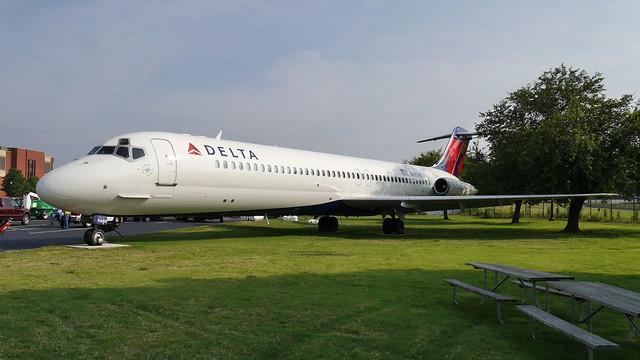 Delta McDonnell Douglas DC-9-51