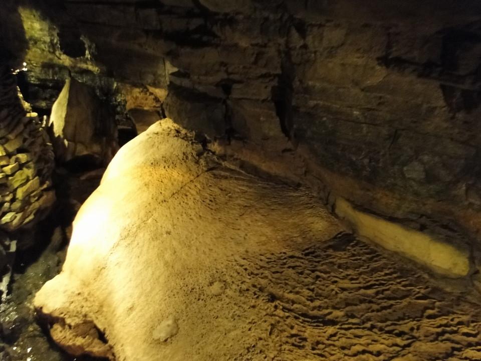 75-2apr12_3022_Howe Caverns_Adirondacks