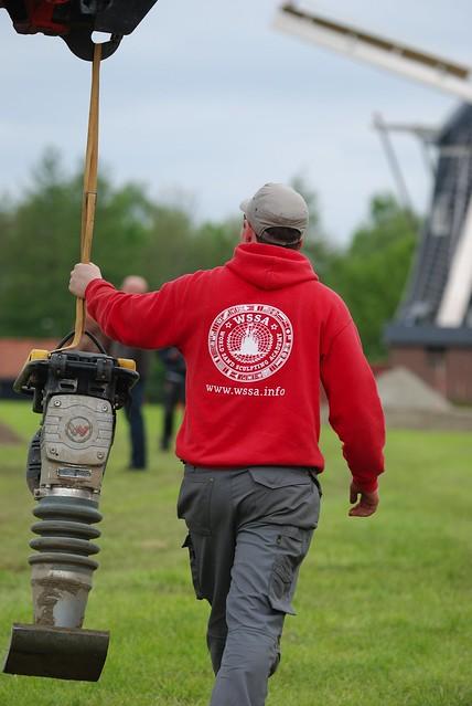 2012-05-05 Voorbereidingen Zandsculpturen Festival Winterswijk