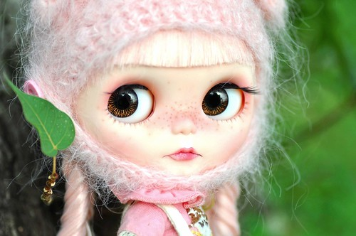 Love her eyes! *Cherry Button**