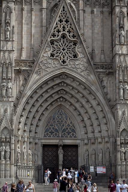 barcelona gaudi cathedral entrance flickr photo sharing. Black Bedroom Furniture Sets. Home Design Ideas