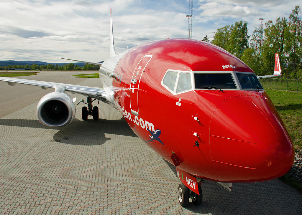 LN-NGV - B738 - Norwegian
