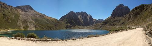 Laguna Paton, Oyon b