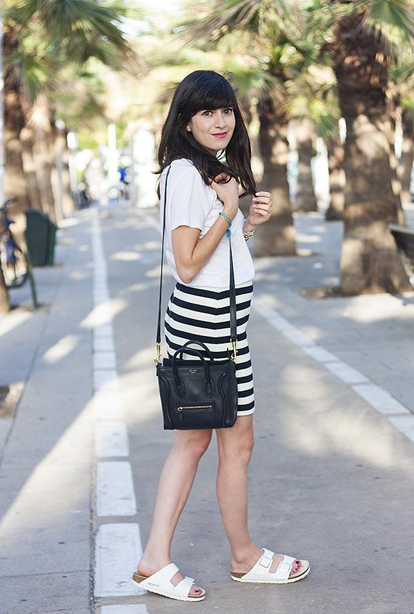 אפונה בלוג אופנה, בירקנשטוק, חצאית פסים, תיק סלין, אאוטפיט, celine bag, birkenstock arizona, stripe skirt, israeli fashion blog