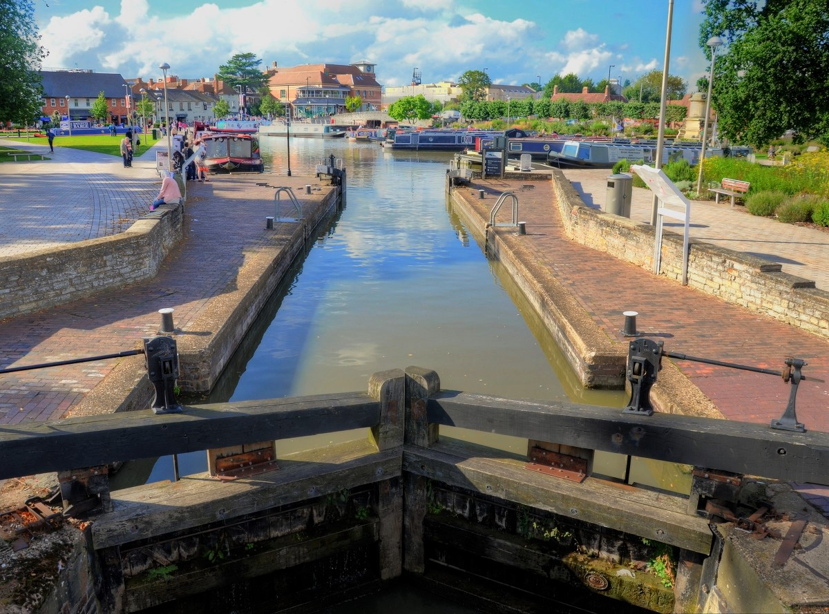 Stratford-upon-Avon canal basin. Credit Baz Richardson, flickr
