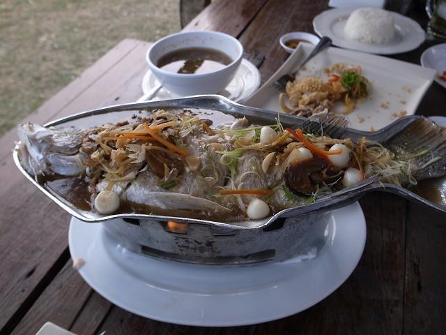 <p>i)蒸したお魚</p>