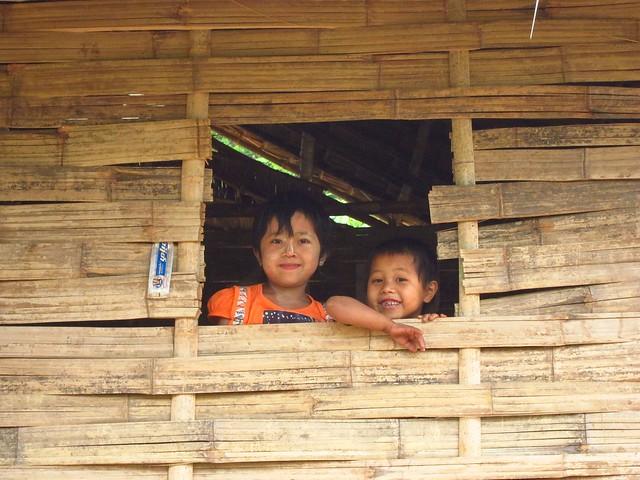 Children Near Hsipaw