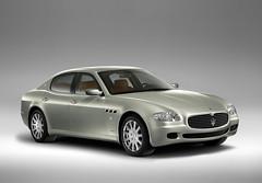 performance car(0.0), automobile(1.0), automotive exterior(1.0), maserati(1.0), executive car(1.0), vehicle(1.0), automotive design(1.0), maserati quattroporte(1.0), sedan(1.0), personal luxury car(1.0), land vehicle(1.0), luxury vehicle(1.0),