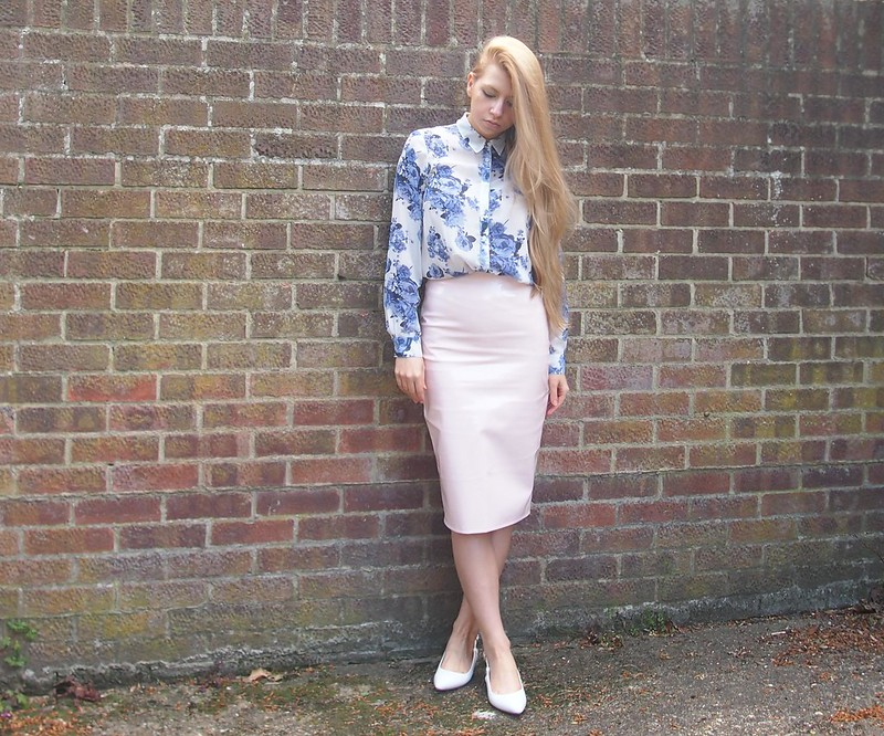 Missguided, PVC, Vinyl, Pleather, Leather, Patent, Shiny, Pencil Skirt, High Waisted, Pastel, Cobalt, Floral, China Print, Porcelain, Shirt, George, ASDA, White Shoes, UK Fashion Blog, London Style Blogger, Sam Muses, How to Wear, Outfit Inspiration, Styling Ideas