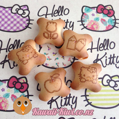 hellokitty-binky-bites-closeup-kawaiikiwi
