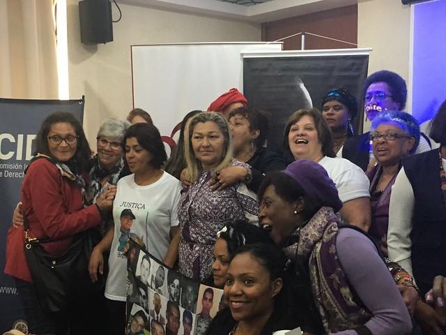 Dossiê que expõe aumento de 54% dos homicídios de mulheres negras é entregue à OEA