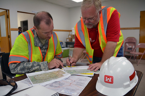 USACE discusses temporary levee construction plans