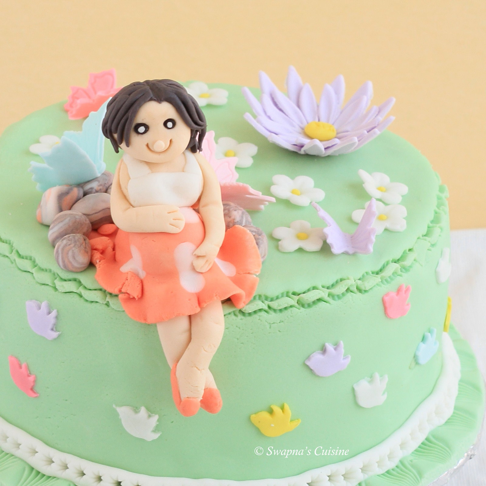 Fondant Pregnant Lady Cake