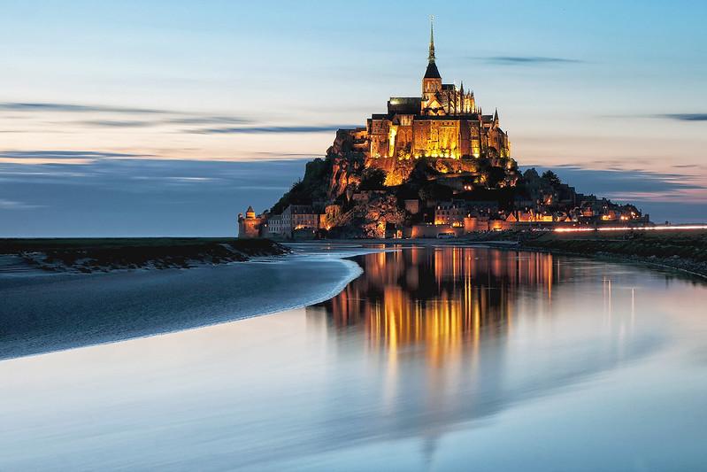 Mont-Saint-Michel à l'heure bleue