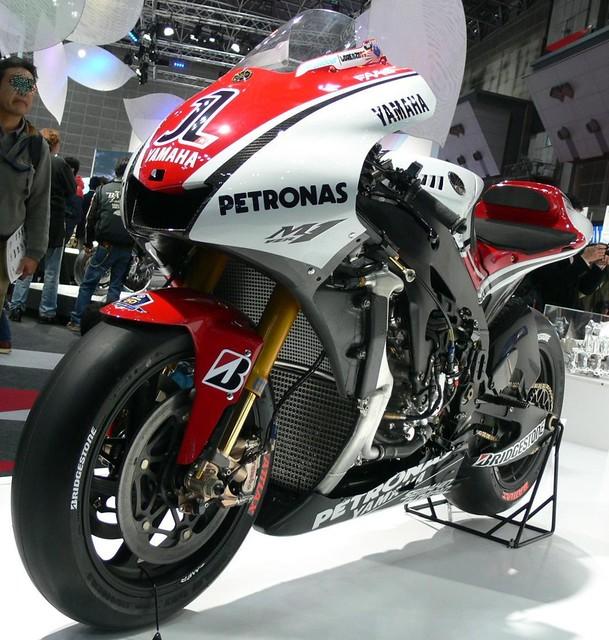 2011 YAMAHA YZR-M1 (OWT1) #1 Jorge Lorenzo