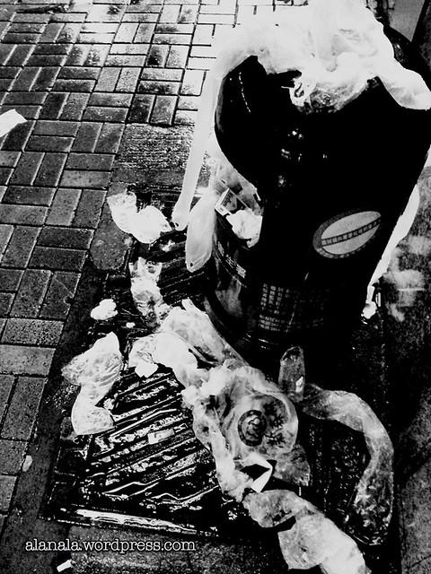 Plastic umbrellas  plastic bags for umbrellas! « Tokyo City