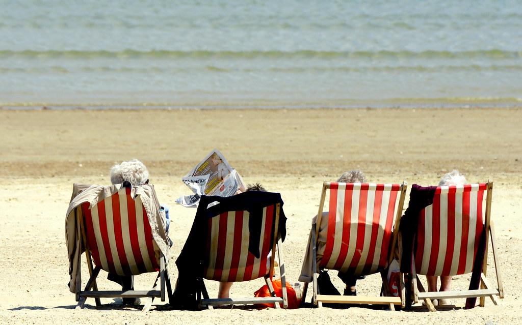 ♫ Oh! I do like to be beside the seaside...