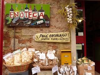 Enoteca en Bolgheri (Italia)