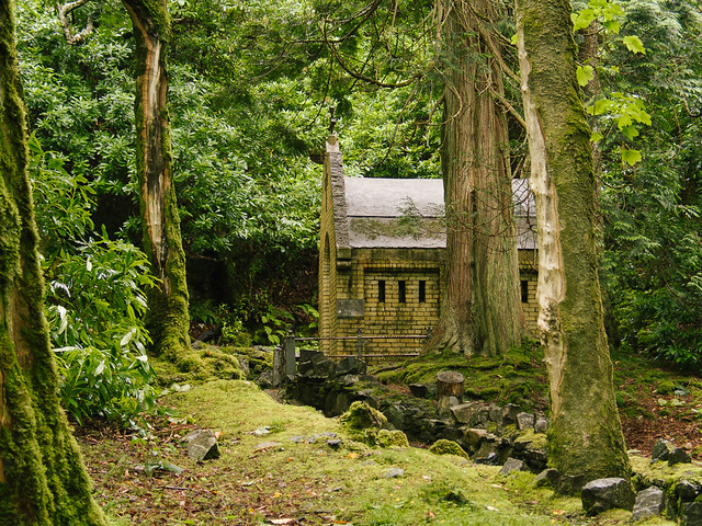 Capilla en el parque de la abadía de Kylemore