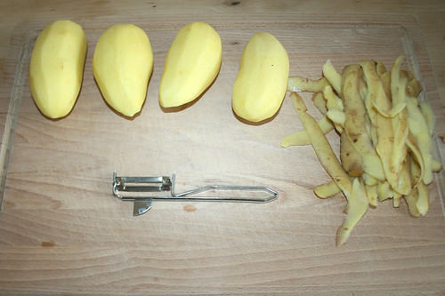 07 - Kartoffeln schälen / Peel potatoes