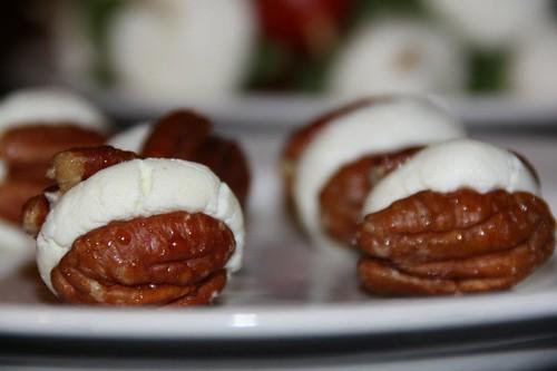 caramel walnuts cheese